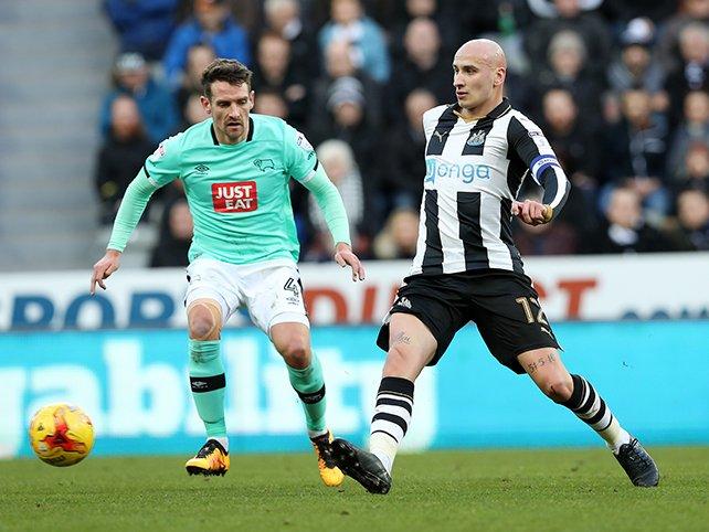 El Newcastle de Benítez puede con el Derby County y se coloca líder. DerbyCounty