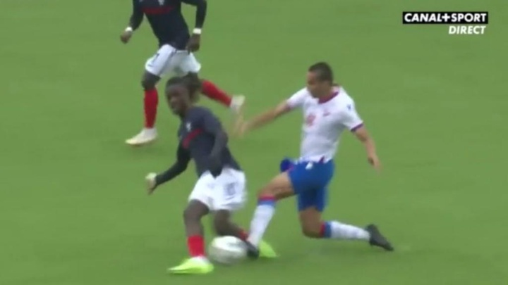 Camavinga recibió una dura entrada. Captura/Canal+Sport