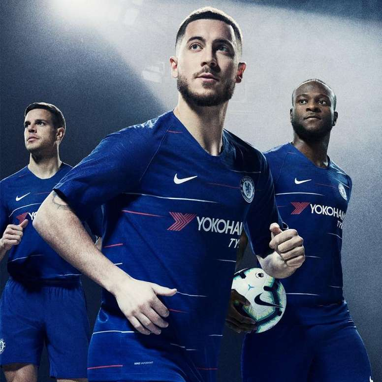Chelsea Fc Latest News: Chelsea Unveil New Kit For 2018/19