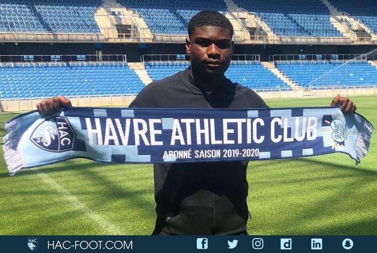 Eric Ebimbe ya fue presentado como nuevo jugador del Le Havre. Twitter/HAC_Foot