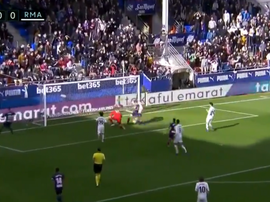 Escalante was on hand to open the scoring. Screenshot/beINSports