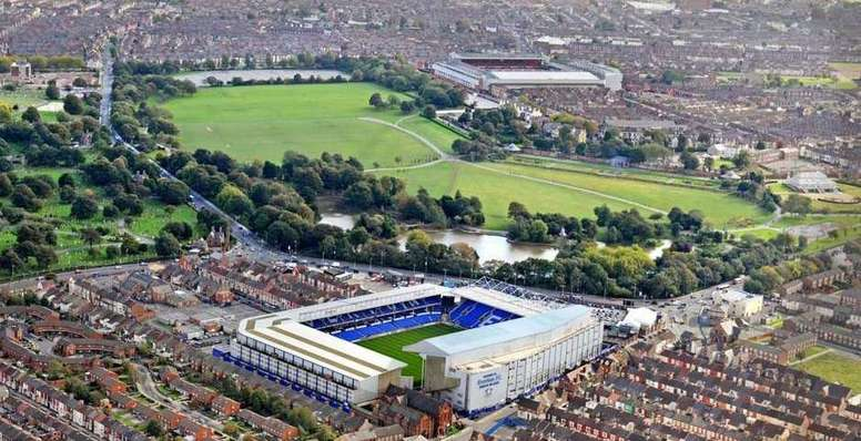 Everton and Liverpool go head to head in the first Merseyside derby of the season. Twitter/7RicLeo