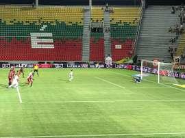 Estupiñán anotó el tercer gol de Once Caldas. CDTolima