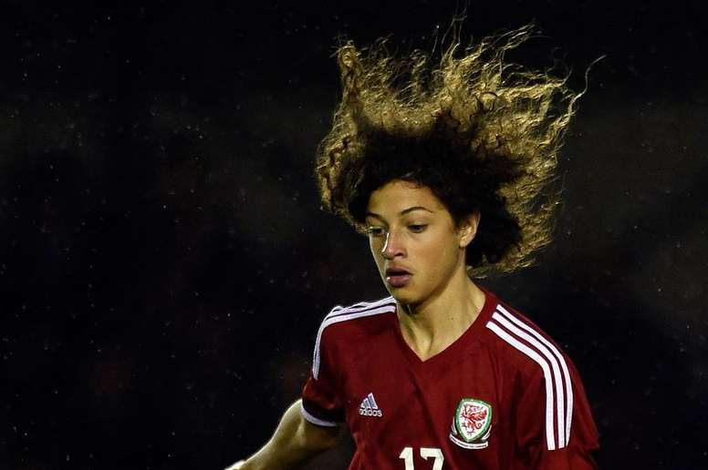 Chelsea to sign 16-year-old defender Ampadu. WalesOnline