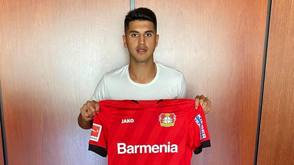 Los detalles del millonario pase de Palacios a Bayer Leverkusen