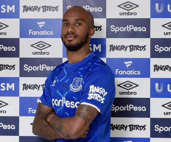 Everton engage Fabian Delph. Twitter/Everton