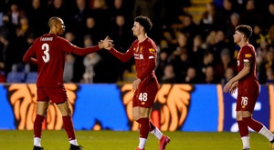 Liverpool não consegue passar por Shrewsbury.  Twitter/LFC