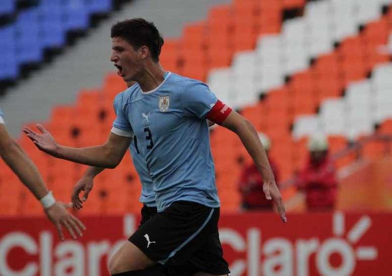 Fabrizio Buschazzio estará cedido una temporada y media en el Defensa y Justicia argentino. Peñarol