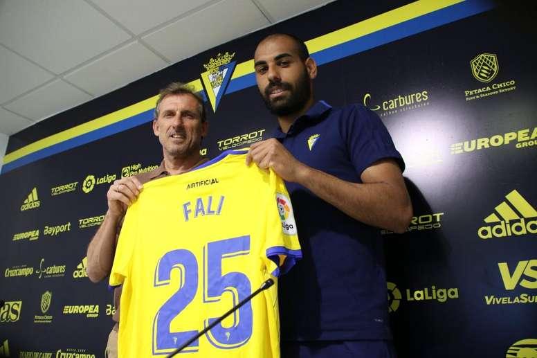 Fali se mostró ambicioso en su presentación con el Cádiz. CádizCF