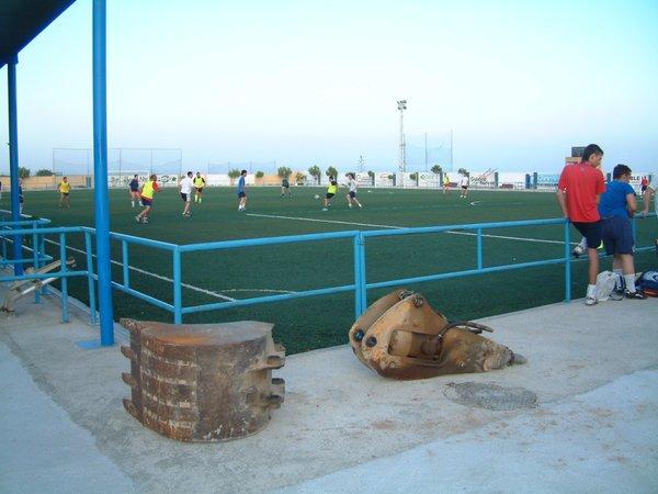 Fallece un joven en el campo de fútbol de El Alquián. IdealAlmería