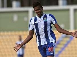 O brasileiro Wenderson Galeno assinou contrato com o FC Porto até 2022. Twitter
