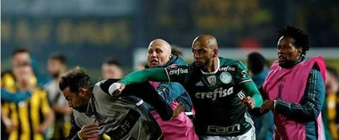 Houve uma briga generalizada depois do Peñarol-Palmeiras. ESPN