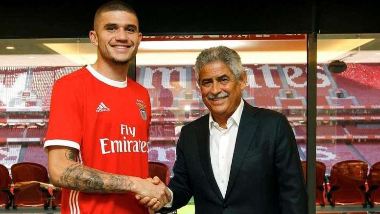 Morato é o novo jogador do Benfica. Twiitter/SLBenfica