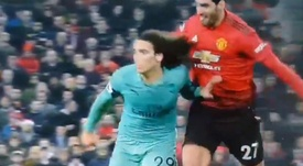 Fellaini grabbed the hair of Matteo Guendouzi on Wednesday night. CAPTURA