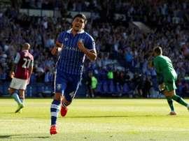 Fernando Forestieri celebra el gol de la victoria del Sheffield Wednesday ante el Aston Villa. Reuters