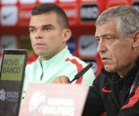 O técnico não deixou de elogiar os dois atletas. FPF/Francisco Paraíso