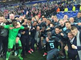 Saíram derrotados de França, mas foram os jogadores do Ajax que fizeram a festa. Twitter