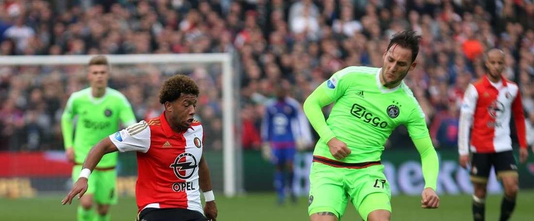 Feyenoord y Ajax terminaron el partido empatados a un gol, y dejan la cabeza de la Eredivisie sin cambios. Twitter