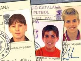 Fichas de Messi, Cesc y PIqué en la cantera del Barcelona. Twitter