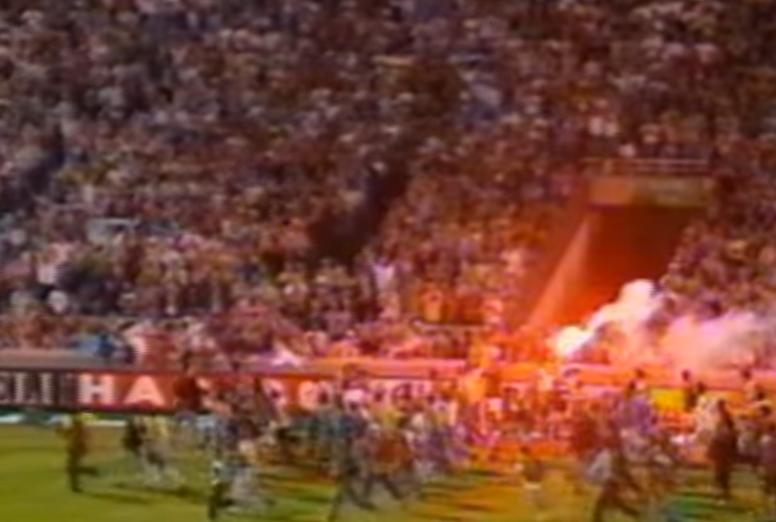 Final del partido entre OM y PSG en 1993. Captura/Canal+