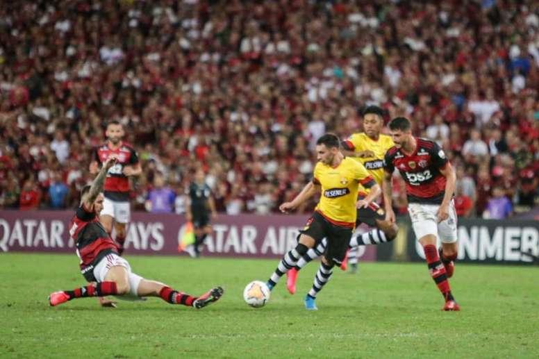 No céu da Libertadores quem manda é o urubu. Twitter @BarcelonaSC