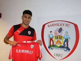 Fletcher, con la camiseta del Barnsley. Twitter