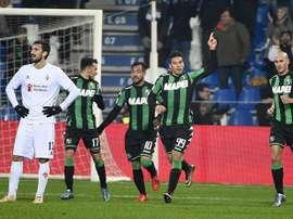 Floccari celebra el tanto del empate para el Sassuolo, en el partido ante la Fiorentina. Twitter
