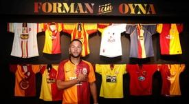 Florin Andone chega ao Galatasaray. Twitter/GalatasaraySK
