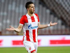 Varios equipos de Europa comienzan a fijarse en Adzic. Twitter/Crvenazvezdafk