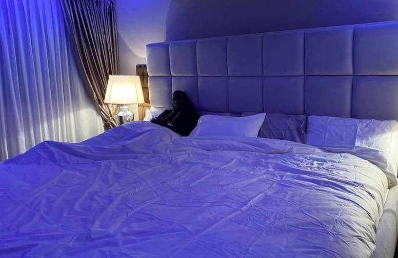 The bed is huge. RomeluLukaku