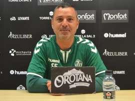 Sergi Escobar dejó de entrenar al Castellón. CDCastellon