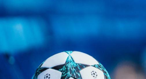 Durante un partido de Europa League, insultó a un rival. UEFA