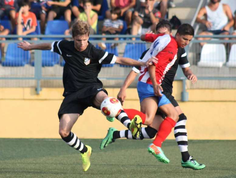 Fran Manzanara, en un partido con el Atlético de Madrid. LevanteUD