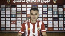 Fran Villalba llega como cedido y el Almería tiene una opción de compra. Twitter/U_D_Almeria