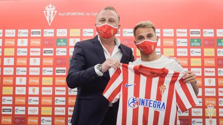 Villaba, presentado por el Sporting y muy ilusionado. Twitter/RealSporting