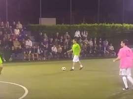 Francesco Totti a laissé admirer ses qualité lors d'un tournoi pour la charité. Youtube