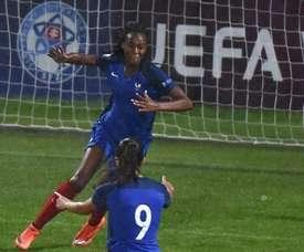 Las francesas imponen su calidad en su estreno en los Juegos. UEFA