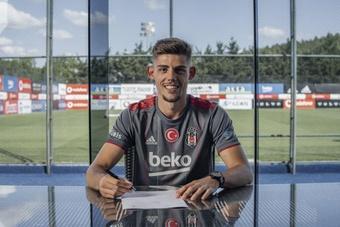 Montero se convierte en nuevo futbolista del Besiktas. Twitter/Besiktas