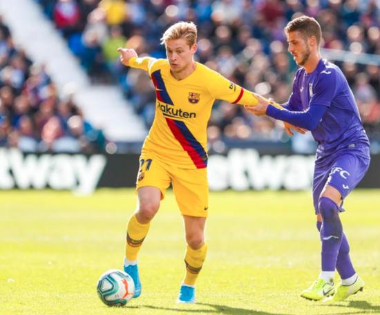 Il mediano olandese del Barça De Jong. FCBarcelona