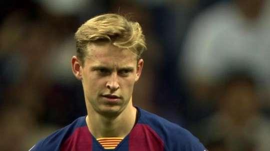 Ni plus ni moins pour le début de De Jong à Barcelone. Captura/BarçaTV