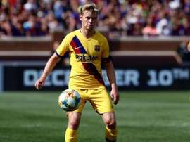 Overmars praised De Jong's performance and asked for patience. Twitter/Barcelona_ES