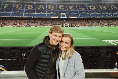 Le Hollandais a foulé la pelouse du Camp Nou. Instagram @MikkyKiemerney