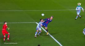 De Jong joue les attaquants pour ouvrir le score contre la Real. Capture/Vamos