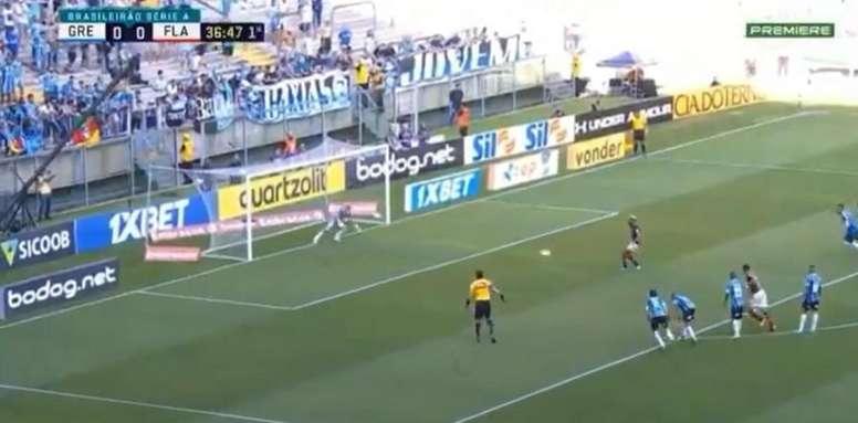 Gabigol abre o placar para o Flamengo contra o Grêmio pela 33º rodada do Brasileirão 2019. Captura/P