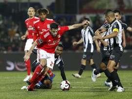 Benfica começa a liga de mão cheia. SLBenfica