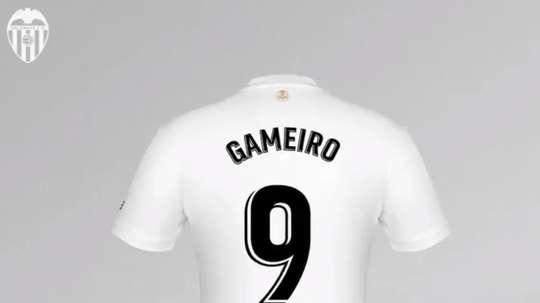 Gameiro lucirá el '9' en el Valencia. Captura/ValenciaCF