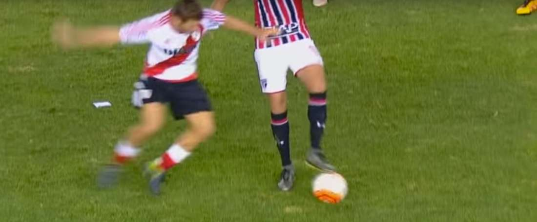 Ganso, the moment before his incredible nutmeg on Nicolás Domingo. BeSoccer