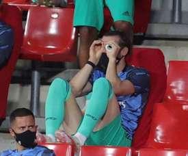 Bale continue d'amuser la galerie sur le banc. EFE