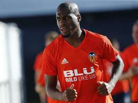 Futebolista 'che' se estreou pelo Valencia diante dos 'merengues'. Twitter/Geoffrey Kondogbia