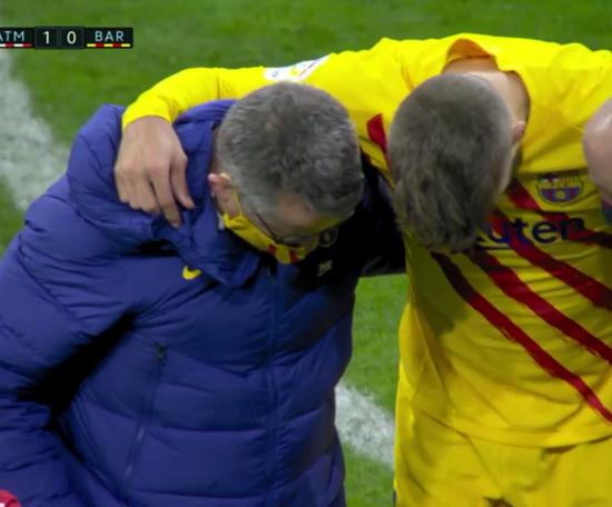 Gerard Pique left the field in tears. Screenshot/MovistarLaLiga